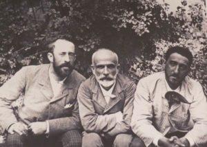 Giner en el centro, a su izquierda Ricardo Rubio y a su derecha Cossío Fuente: Familia Uña