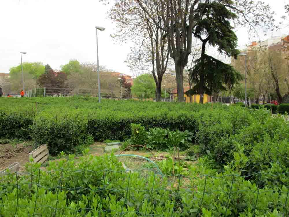 Jardines escondidos madrid casino de la reina rutas pangea for Jardin de la reina granada