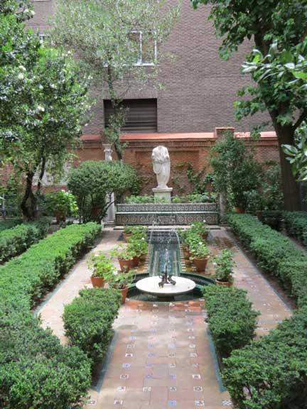 Jard n del museo sorolla rutas pangea for Casa jardin madrid