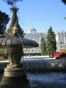 Jardines de Sabatini en Madrid (16)