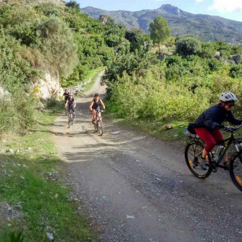 turismo-en-bicicleta-en-costa-tropical-rutas-pangea