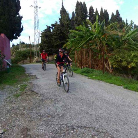 vacaciones-en-bici-en-costa-tropical-rutas-pangea-viajes-en-grupo
