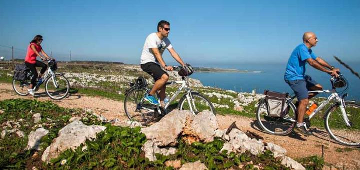 Slow travel bike in Italy
