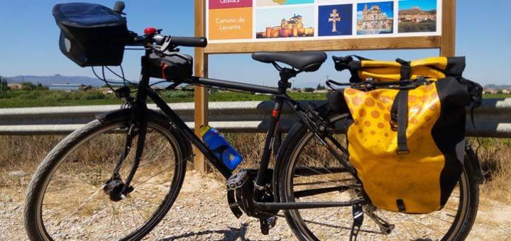 Equipamiento para viajar en bici con alforjas