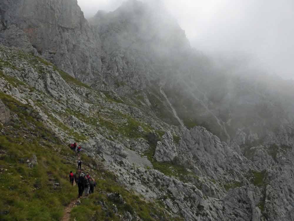 Senderismo en Picos de Europa con Rutas Pangea