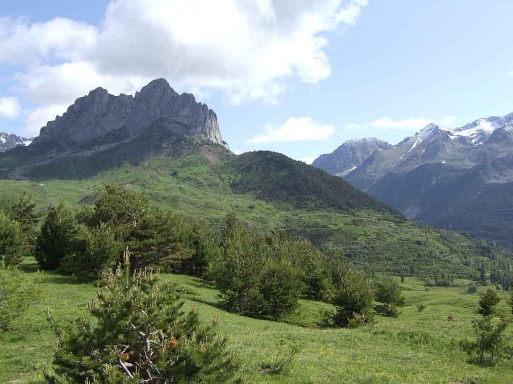 A pie por Pirineos