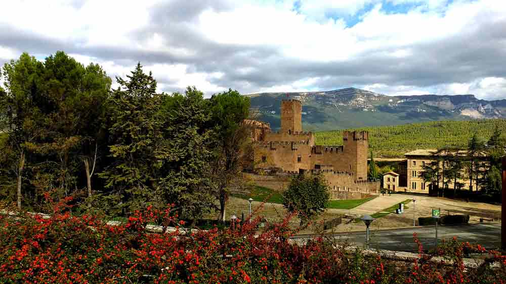 cicloturismo y Castillo de Javier